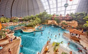 Parque acuático Tropical Islands Resort en Alemania