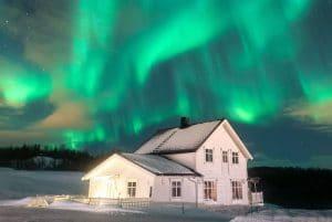 Alojamiento familiar en Noruega para ver auroras boreales