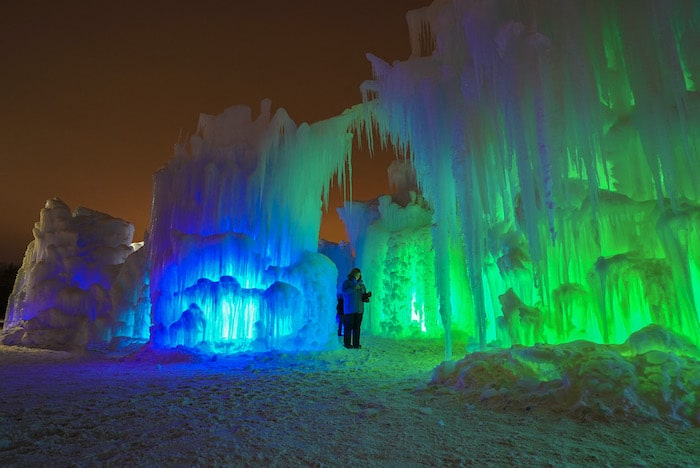 luces en castillo de hielo Ice Castles