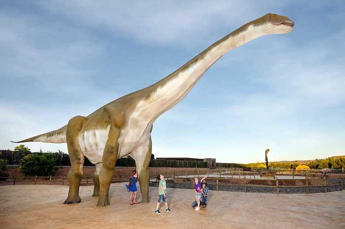 Parque temático de dinosaurios en Teruel