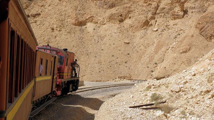 tren turístico Lagarto Rojo en Túnez