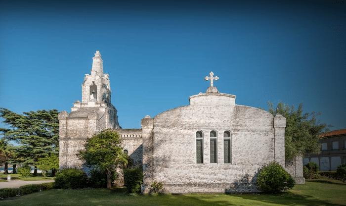 Capilla de San Caralampio o capilla de las conchas en La Toja