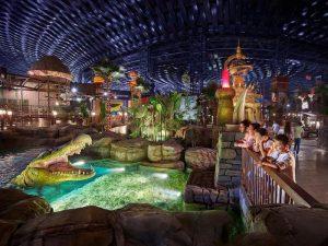 Parque temático cubierto IMG Worlds of Adventure para ir con niños en Dubái