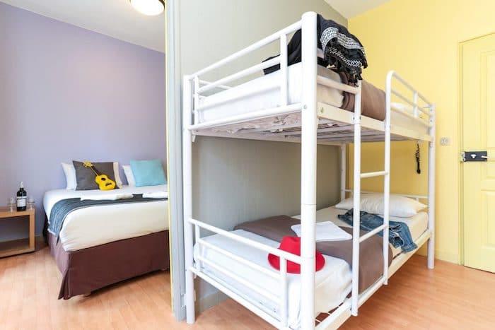 Hostal con habitaciones familiares en París