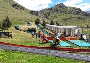 Vall de Núria con niños en verano