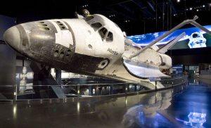 Centro Espacial Kennedy en Florida con niños